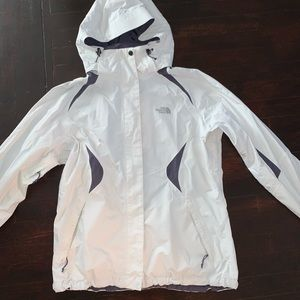 North face winter jacket. Size L